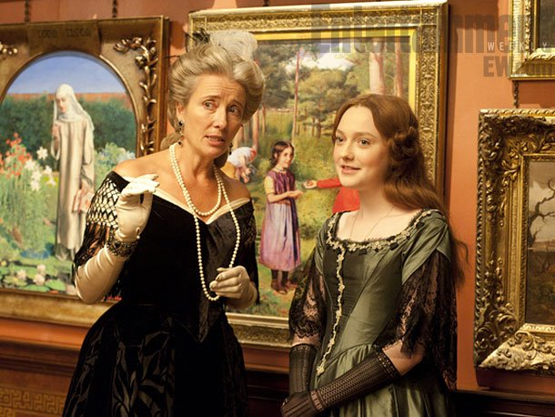 Emma Thompson and Dakota Fanning in 'Effie Gray'.