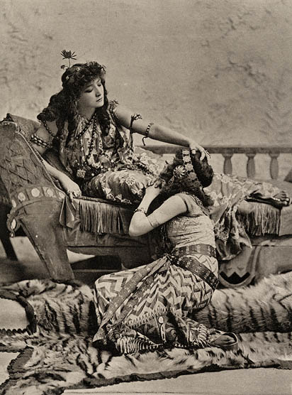 Bernhardt as Cleopatra. Photograph, ca. 1899.