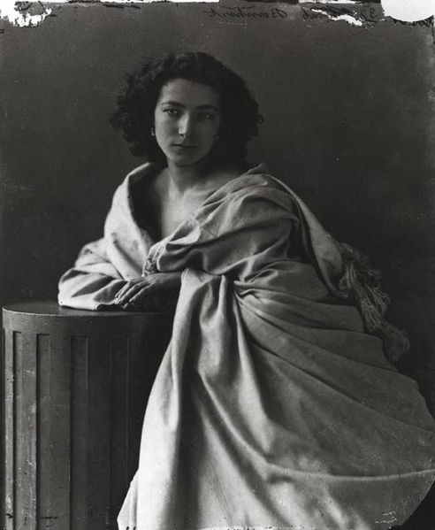 Photograph of Sarah Bernhardt by Felix Nadar.