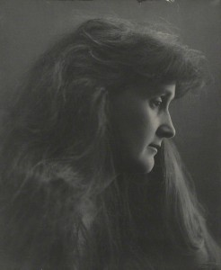 Leonora Piper, medium, by Eveleen Myers (née Tennant), platinum print, 1890 © National Portrait Gallery, London